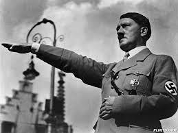 Cũng như Nhật, vừa đạt được một số thành tựu Hitle đã nghĩ mình là một dân tộc thượng đẳng dẫn đến việc xâm hại QCN của người dân để tiến hành chiến tranh rồi đưa nước Đức đi vào thời kì lụn bại